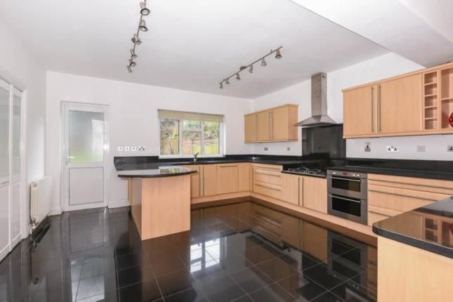 Thumbnail Property for sale in Lansdowne Road, South Woodford, London