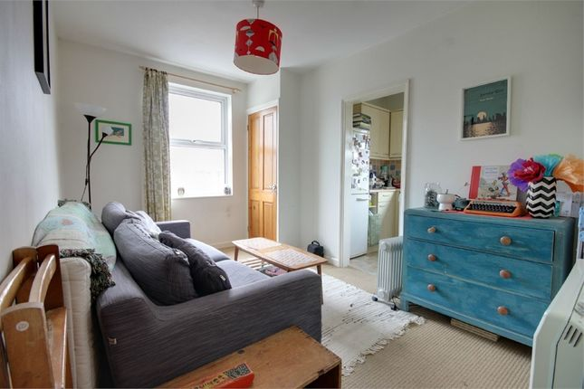 2 bed flat to rent in Downsfield Road, Walthamstow, London