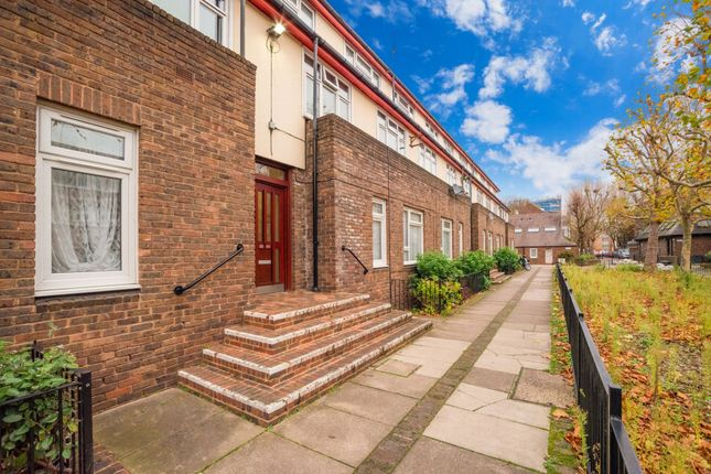 Thumbnail Flat for sale in Alscot Way, London