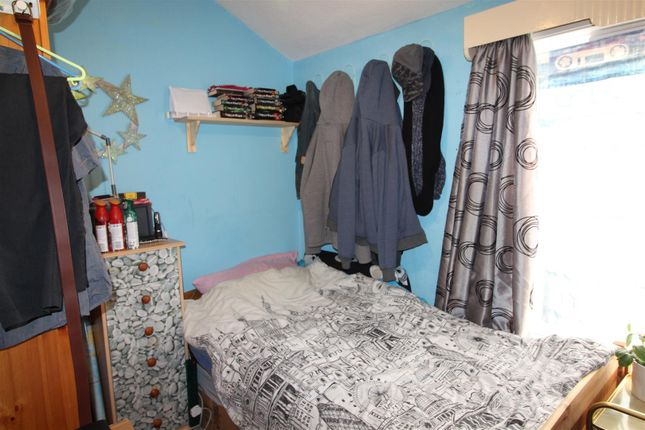 Bedroom 3 of Abbey Drive East, Grimsby DN32