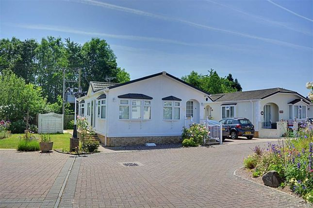 Thumbnail Mobile/park home for sale in Woodlands Park, Quedgeley, Gloucester
