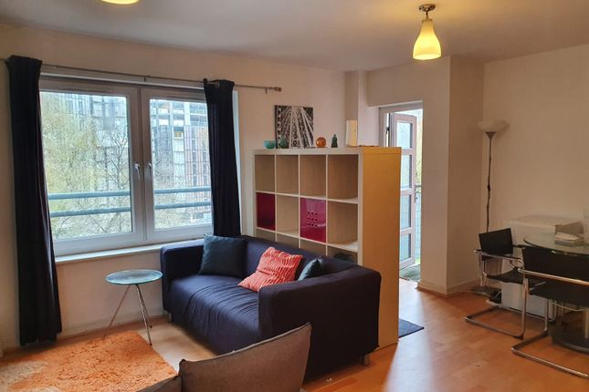 Room to rent in Naples Street, Manchester M4
