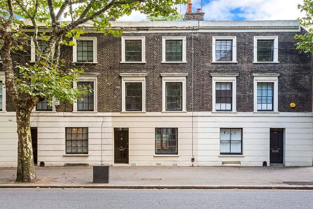 Thumbnail Town house for sale in Rosebery Avenue, London