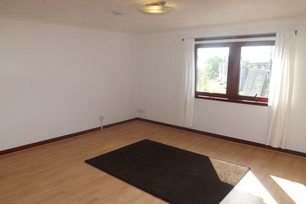 Thumbnail Flat to rent in East Buchanan Street, Paisley