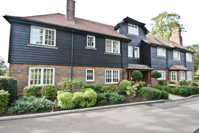 Thumbnail Flat to rent in East Wood, Wall Hall Drive, Aldenham