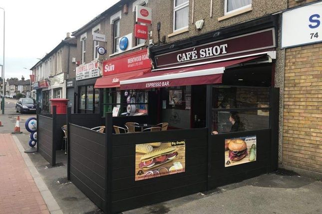 Thumbnail Restaurant/cafe for sale in Brentwood Road, Gidea Park, Romford