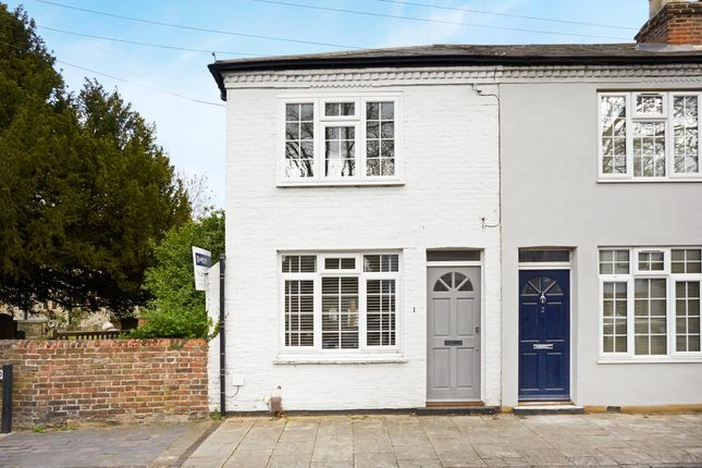 Thumbnail Cottage to rent in Bell Road, East Molesey, Surrey