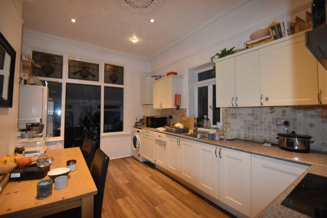 Thumbnail Room to rent in Lawrence Road, Southsea, Hampshire