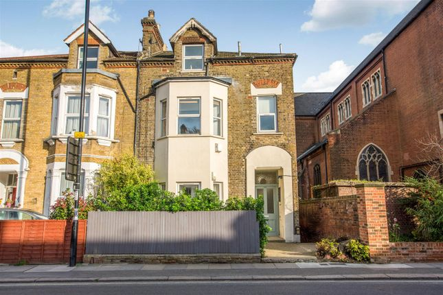 Thumbnail Flat for sale in Hither Green Lane, London