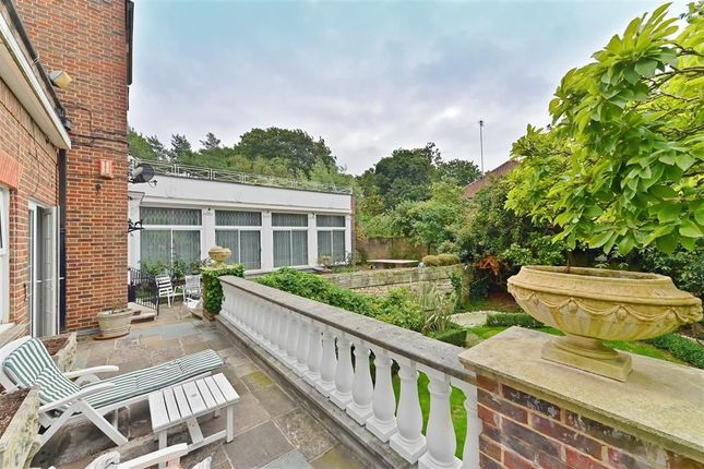Thumbnail Flat to rent in Canons Close, London