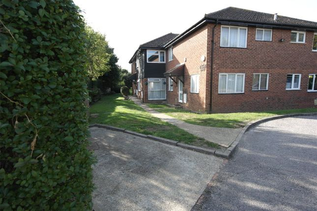 Picture No. 21 of Linley Crescent, Romford RM7