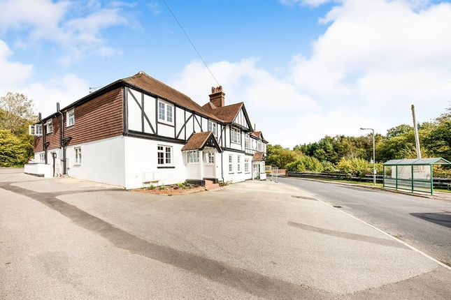 Thumbnail Flat for sale in Newton Place Walshes Road, Crowborough
