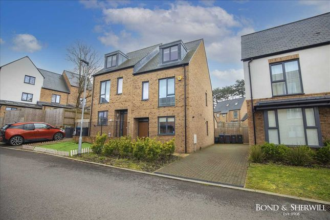 3 bed town house to rent in Olave Close, Coulsdon CR5