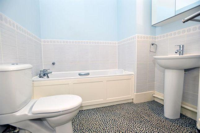 Family Bathroom of Singleton Drive, Grange Farm, Milton Keynes MK8