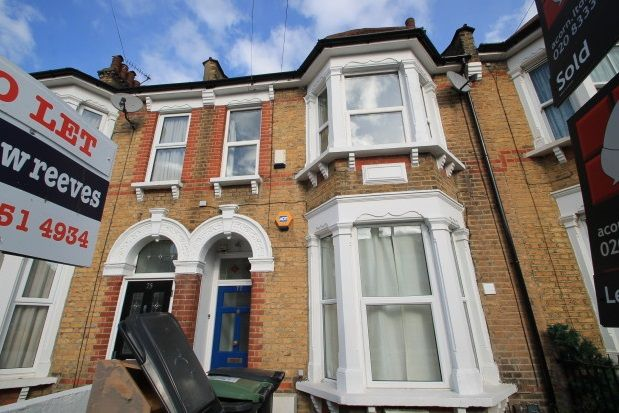 Thumbnail Flat to rent in Honley Road, London