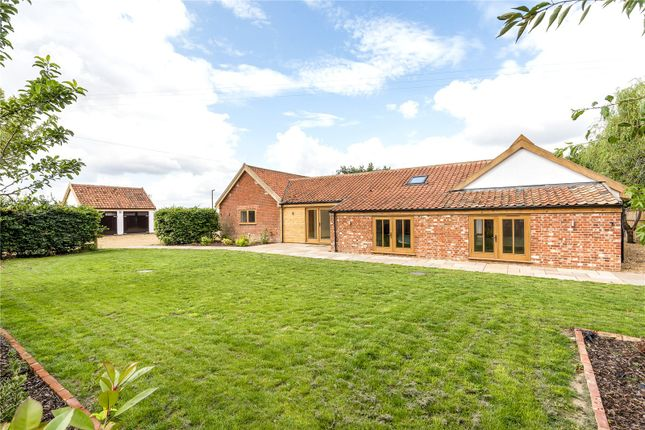 Thumbnail Barn conversion for sale in Traice Road, Fundenhall, Norwich