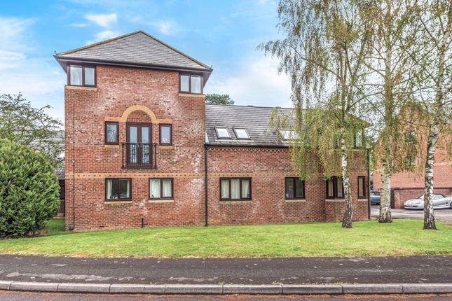 2 bed flat for sale in Ock Mill Close, Abingdon OX14