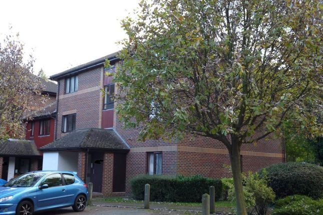 Thumbnail Flat to rent in Pebble Drive, Didcot