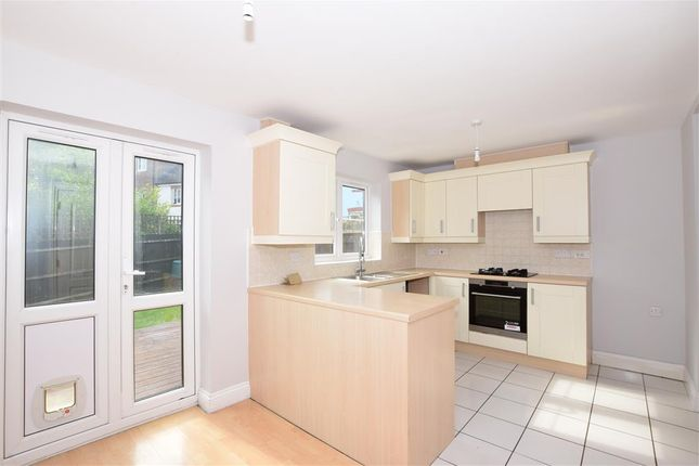 Thumbnail Town house for sale in Charlton Drive, Petersfield, Hampshire