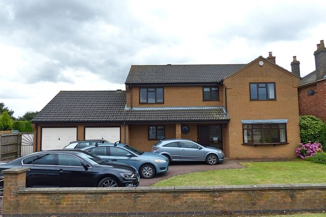 Thumbnail Detached house to rent in Broadway, Yaxley, Peterborough
