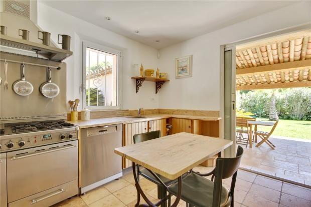 Kitchen of Saint-Tropez, Var Coast, French Riviera, 83990