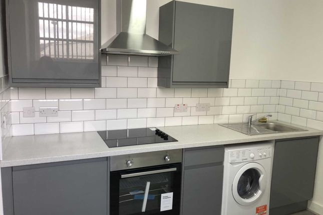 Thumbnail Flat to rent in Smith Street, Rochdale