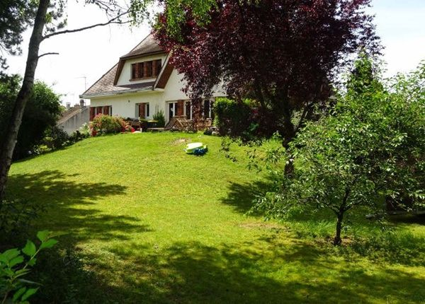 Thumbnail Property for sale in 60260, Lamorlaye, Fr