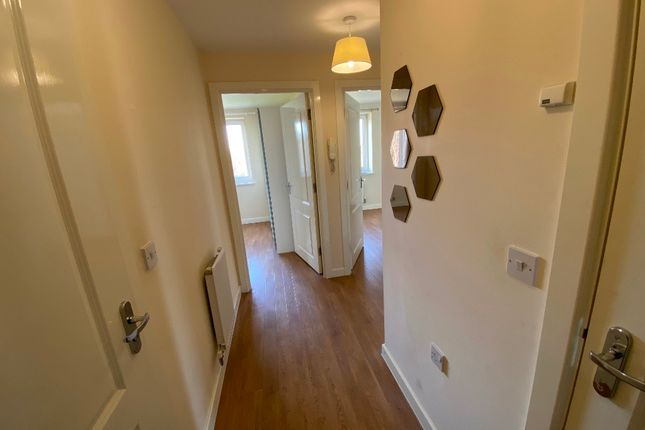 2 bed flat to rent in Stratford Road, Wolverton Mill, Milton Keynes MK12