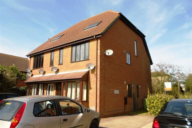 Thumbnail Maisonette to rent in Bergamot Gardens, Walnut Tree, Milton Keynes