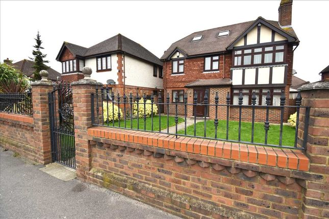 Thumbnail Property for sale in Heath Gardens, Heath Lane, Dartford