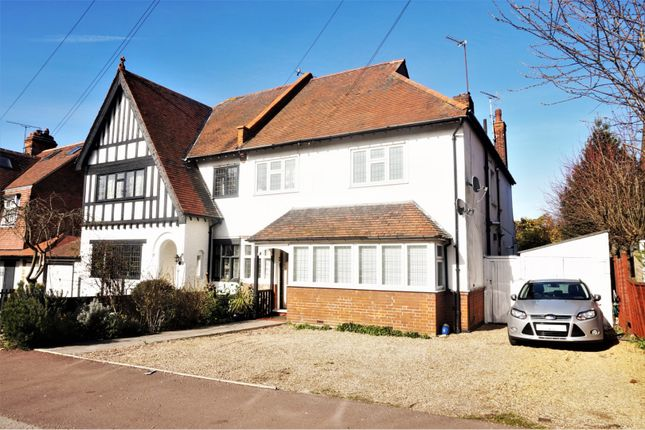Thumbnail Flat for sale in Hadleigh Road, Leigh-On-Sea
