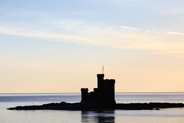Thumbnail Flat to rent in Loch Promenade, Douglas, Isle Of Man