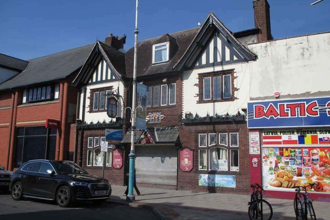 Thumbnail Pub/bar for sale in Eastbank Street, Southport