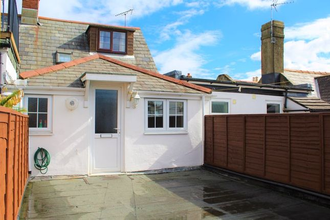 2 bed flat for sale in High Street, Hythe, Southampton SO45