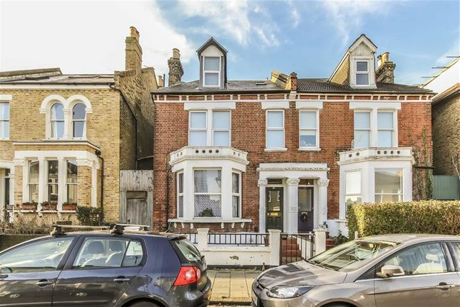 2 bed flat for sale in Thurlestone Road, London