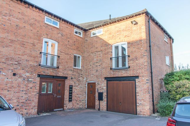 Thumbnail Flat for sale in Fairfield St, Market Harborough