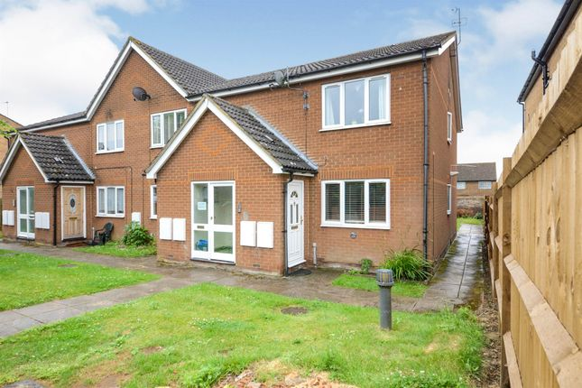2 bed flat for sale in High Street, London Colney, St. Albans AL2