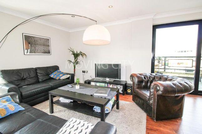 Thumbnail Flat to rent in Batty Street, London