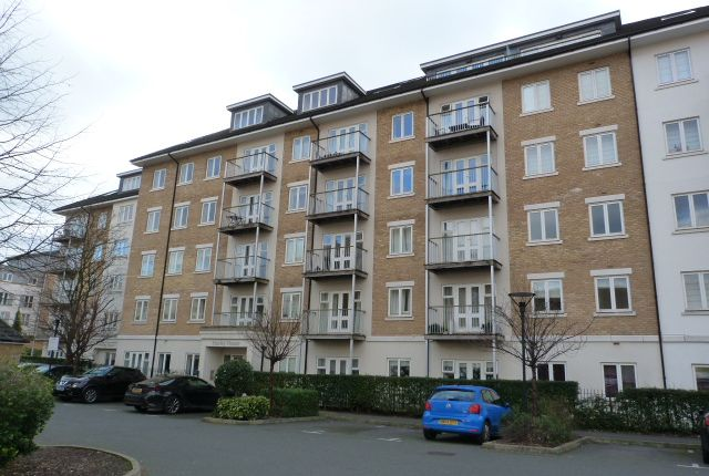 Flat for sale in Park Lodge Avenue, West Drayton