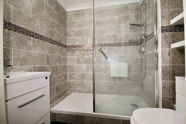 Bathroom of Merryfield Court (Tonbridge), Tonbridge TN9