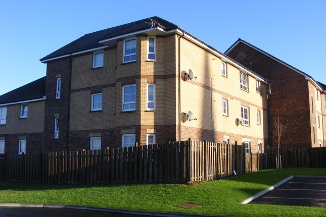3 bed flat to rent in West End, West Calder EH55