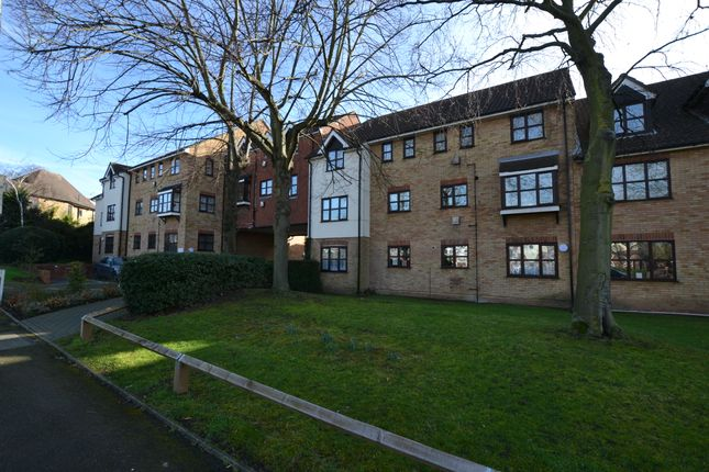 Thumbnail Flat for sale in The Ridgeway, Chingford