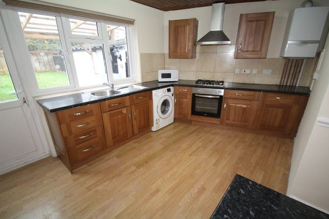 Thumbnail Property to rent in Twyford Road, Harrow
