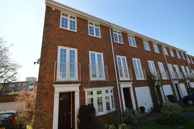 Thumbnail Property to rent in Selsdon Close, Surbiton