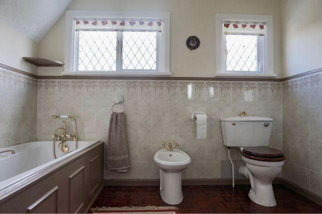 Family Bathroom of Old Point, Middleton-On-Sea PO22