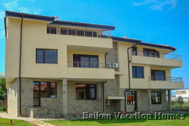 Link-detached house for sale in 111 Str., Budjaka Area, 8130 Sozopol