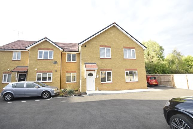 Thumbnail Flat to rent in Ivron Hill, Wickford