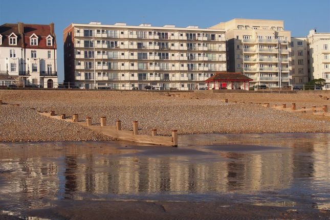 Thumbnail Flat for sale in Belgrave Court, De La Warr Parade, Bexhill-On-Sea