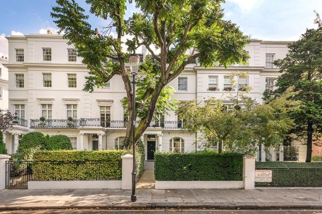 Thumbnail Property for sale in Egerton Crescent, London