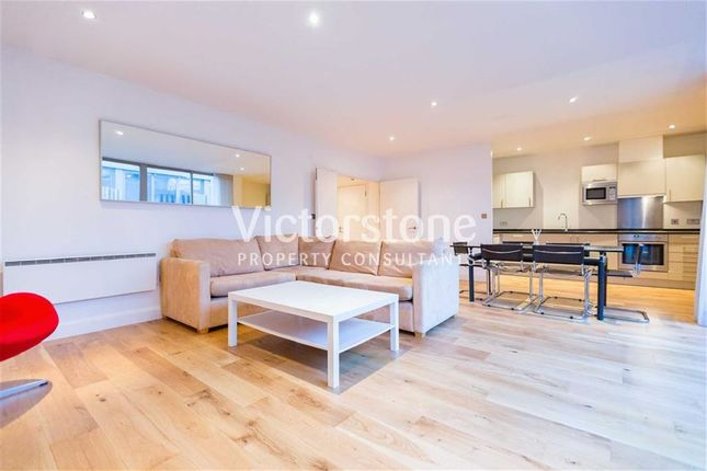 2 bed flat to rent in Dereham Place, Shoreditch, London